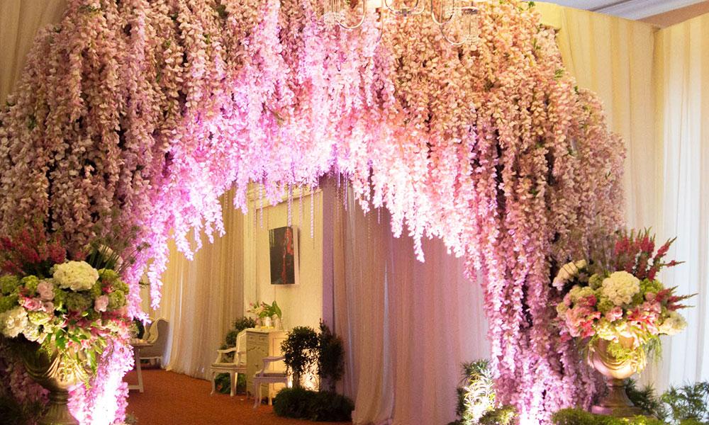 Những mẫu cỗng hoa cưới đẹp cho năm 2018