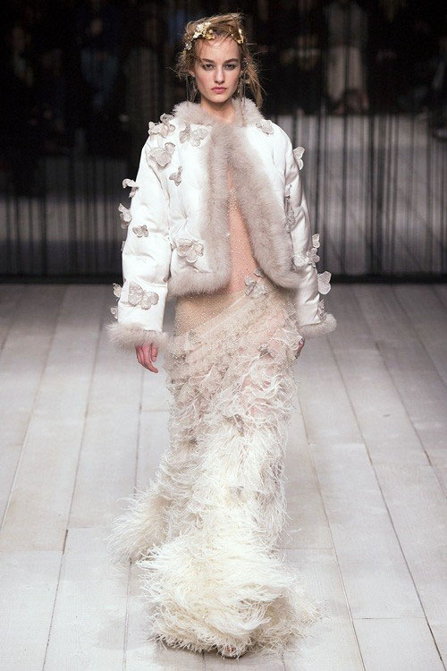 Váy cưới đẹp cho 12 cung hoàng đạo - Cung Bảo Bình