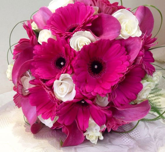 Bí quyết chọn hoa cưới đẹp cho 12 cung hoàng đạo - Cung Kim Ngưu