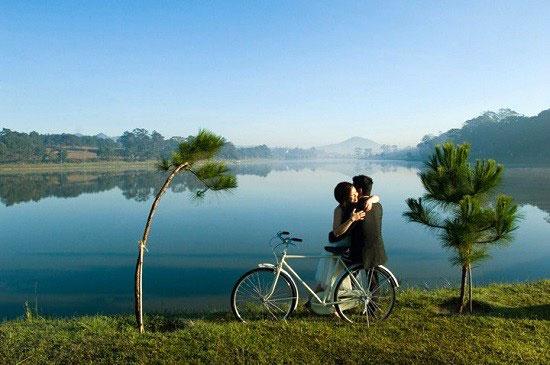 Địa điểm chụp ảnh cưới đẹp ở Đà Lạt - Hồ Tuyền Lâm và hồ Xuân Hương