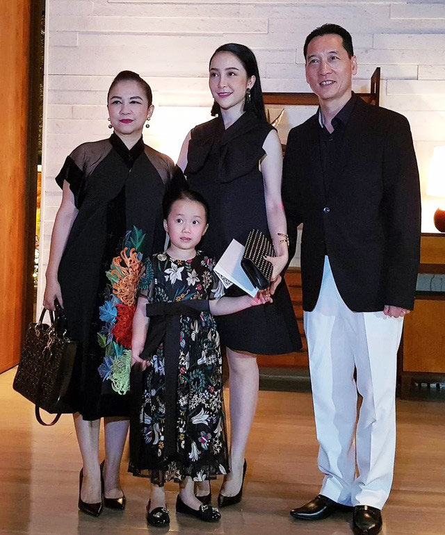 Gia đình nghệ sĩ múa Linh Nga trong đám cưới của Đặng Thu Thảo