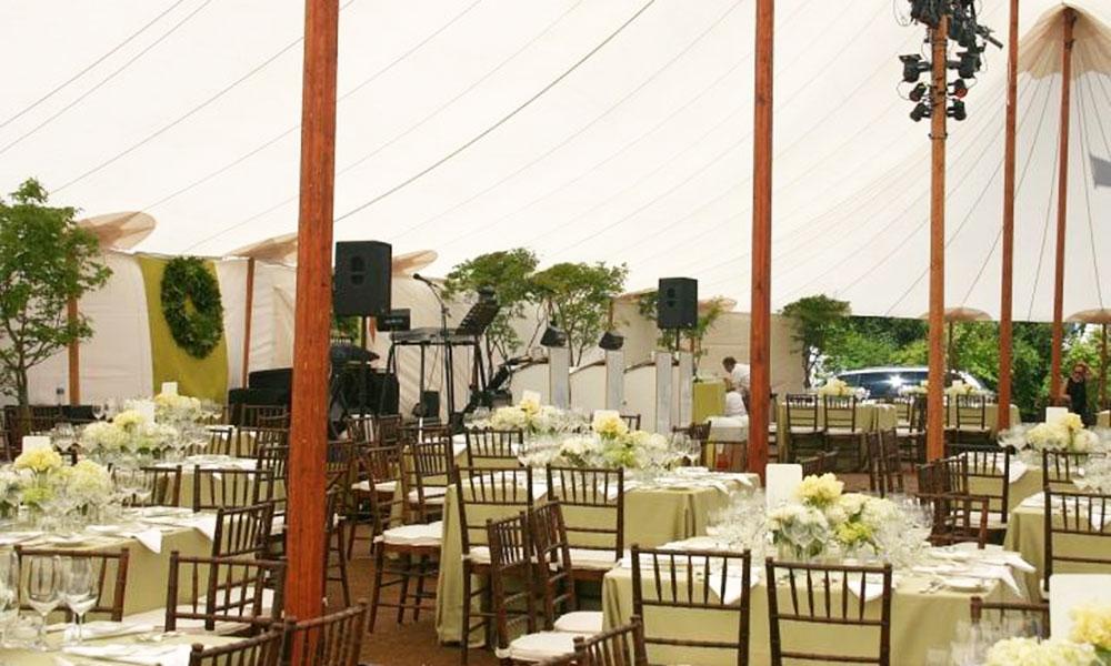 Kinh nghiệm tổ chức tiệc cưới ngoài trời - Lên phương án dự phòng