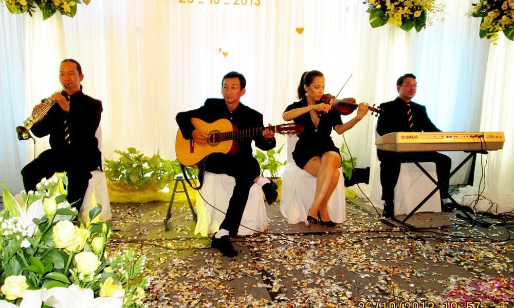 Kinh nghiệm tổ chức tiệc cưới tại nhà