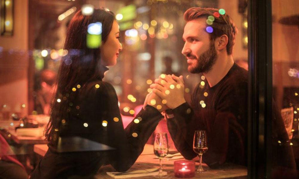 Tình yêu là gì, Tình yêu là cho bạn không thể ngừng nhìn chằm chằm vào họ