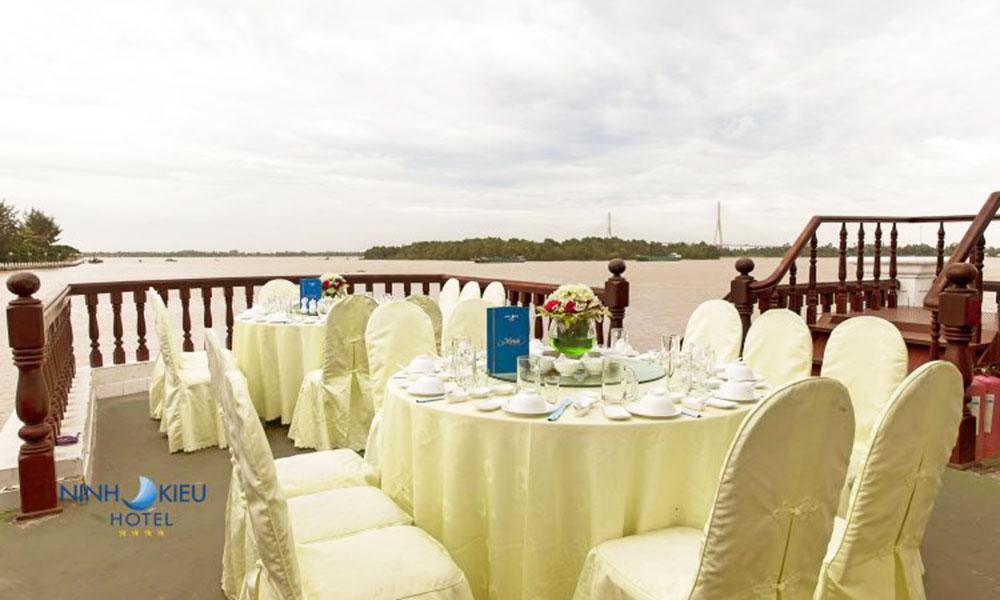 Trung tâm hội nghị tiệc cưới Ninh Kiều Cần Thơ hướng sông