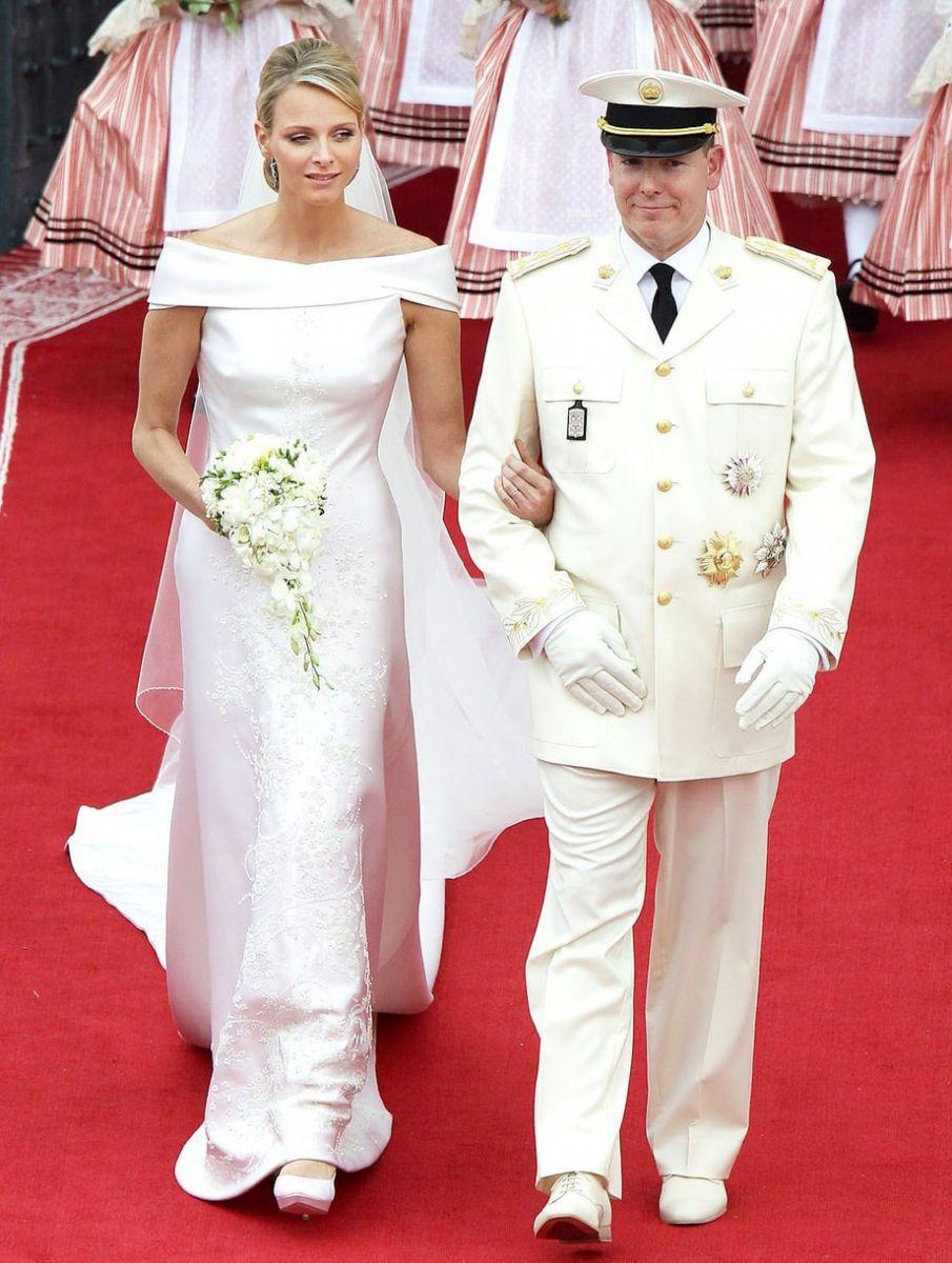 Váy cưới đẹp nhất mọi thời đại - Váy cưới của Công nương Charlene