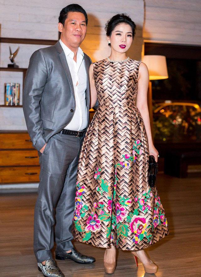 Vợ chồng ca sĩ Lệ Quyên trong đám cưới của Đặng Thu Thảo